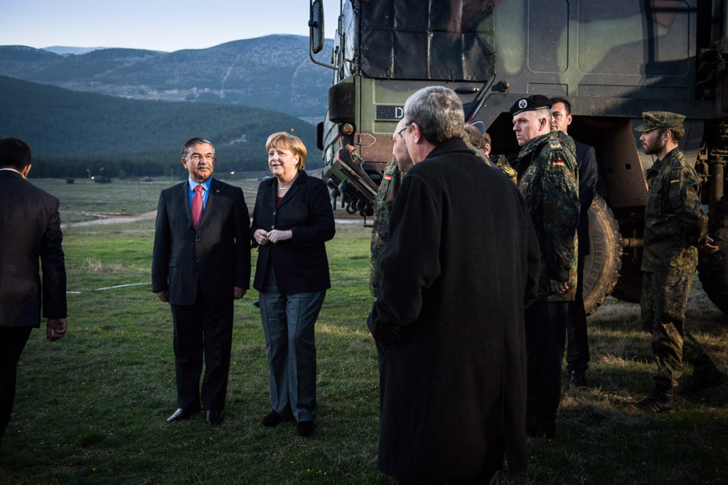 Chancellor Angela Merkel and the Turkish Defence Minister Ismet Yilmaz
