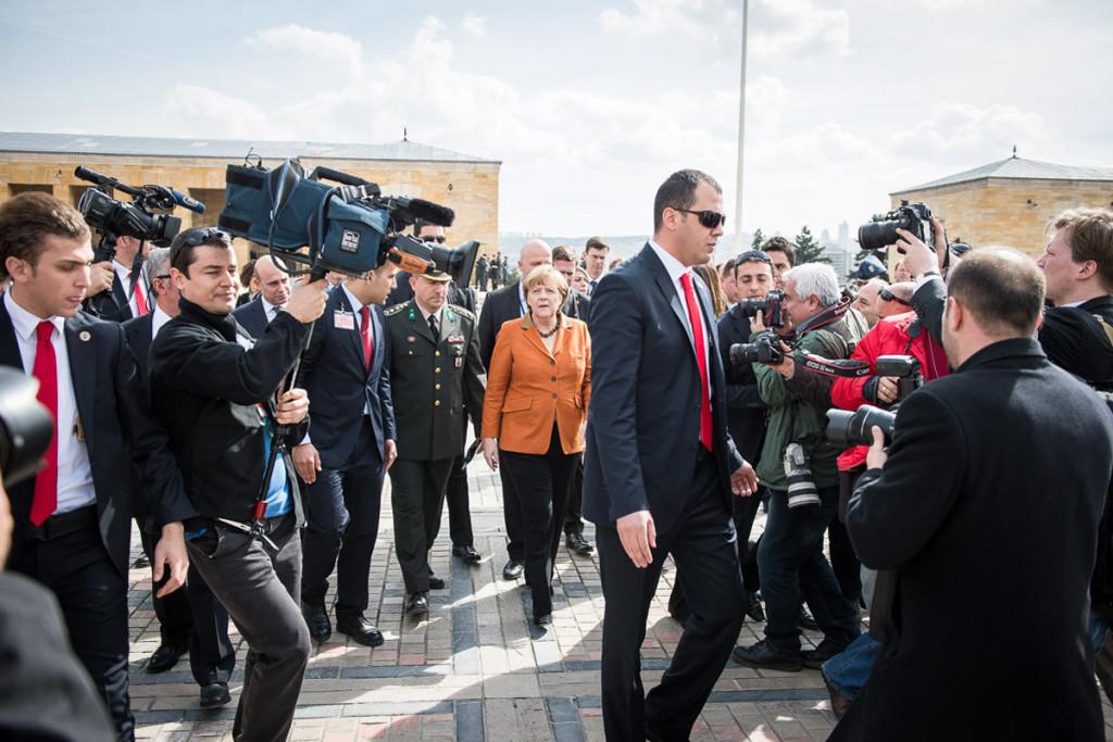 Chancellor Angela Merkel tours the Atatürk Memorial.