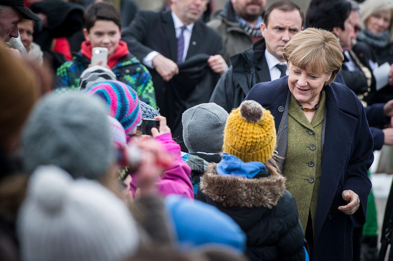Bundeskanzlerin Merkel besucht die Kita Ruthenberger Rasselbande in Neumünster